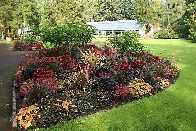 schlossgarten oldenburg oldenburg het tuinpad op in. Black Bedroom Furniture Sets. Home Design Ideas